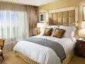 006700-06-deluxe_Bedroom