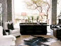004018-10-private-granite-deck-lounge