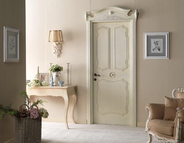 Двери филенчатые из массива древесины