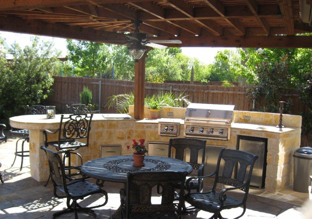 Backyard-Kitchen-Pictures-2