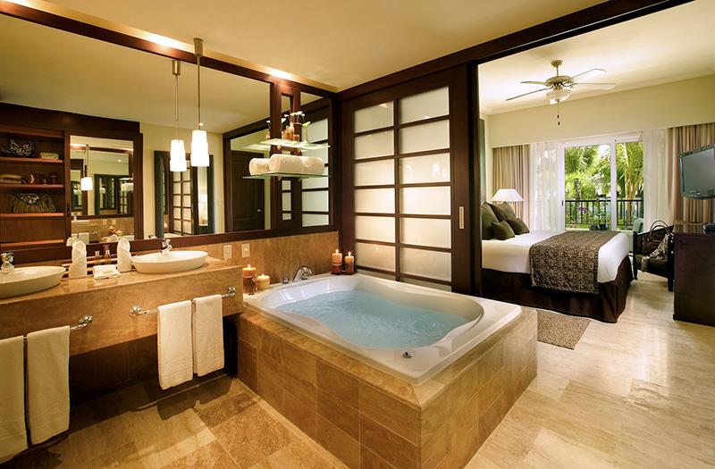 PuntaCana-Reserve1BR-bath-small