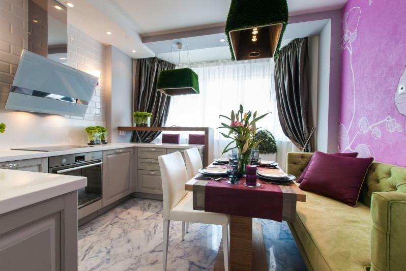 Зеленый-и-фуксия-в-интерьере-кухни-2-798x533