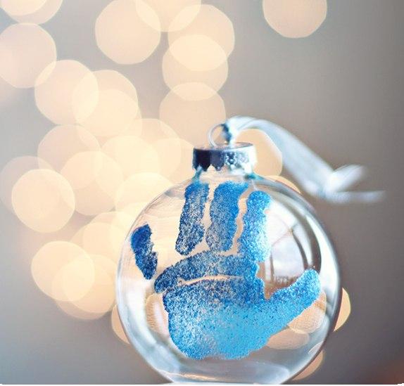 Отпечаток на новогоднем шаре своими руками