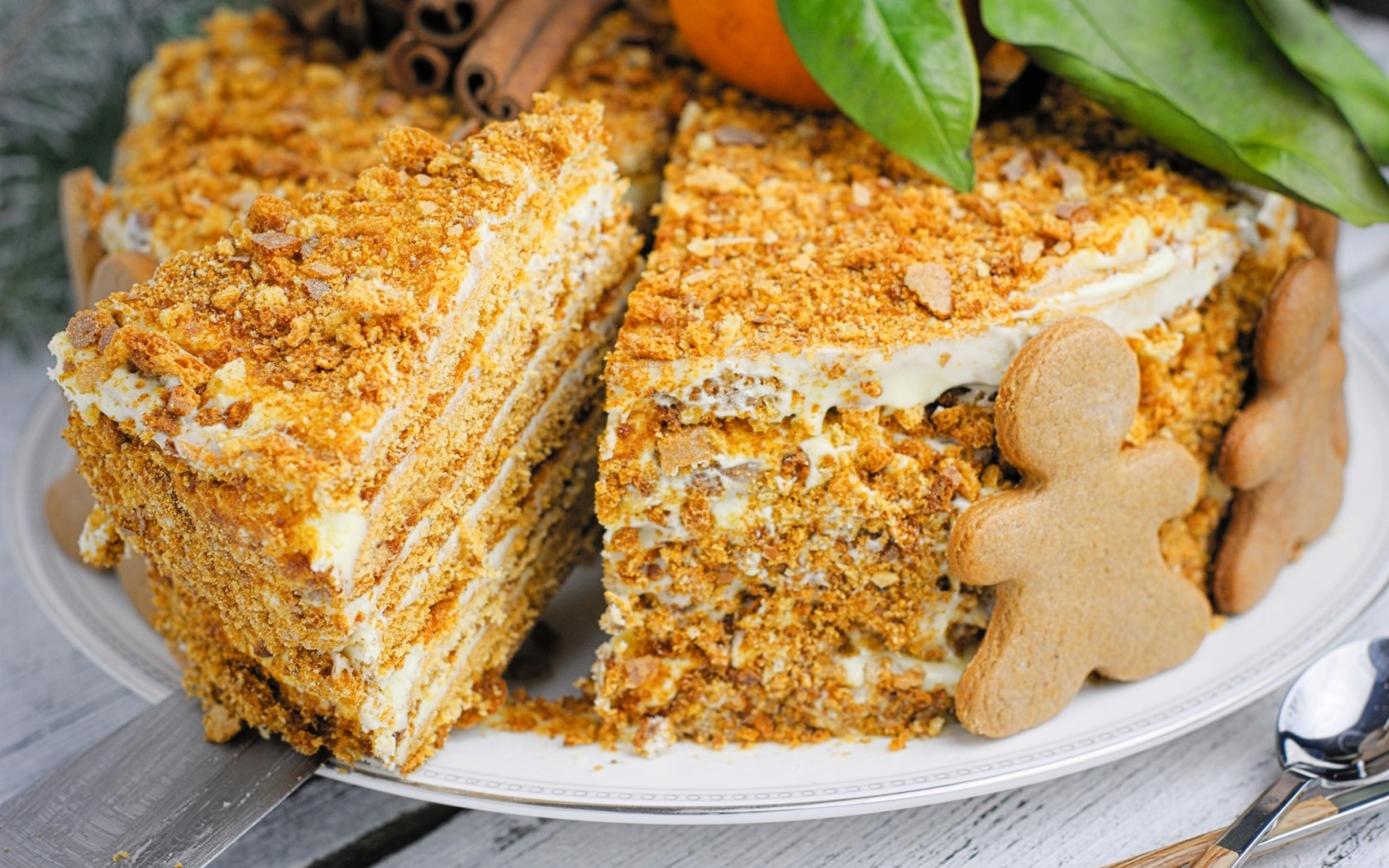 tort-medovik-pechene