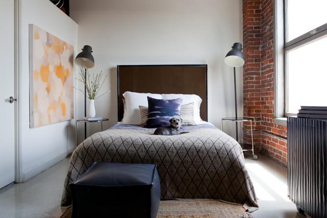 спальня кровать торшеры