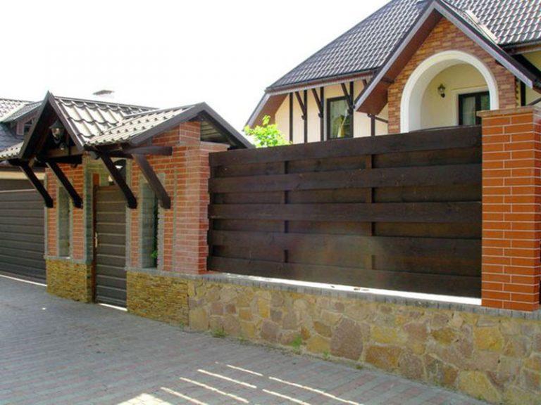 Дизайн фасадов домов и заборов