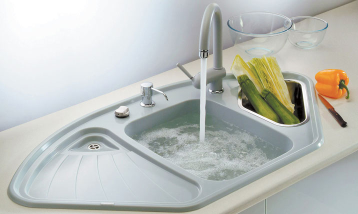 сантехника на кухне