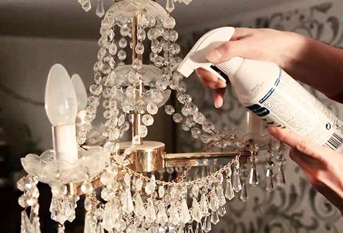 помыть подвесную люстру