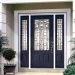 Входные металлические двери в дом