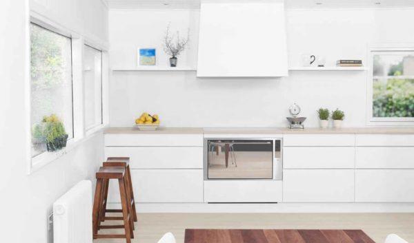 Изысканная кухня белого цвета