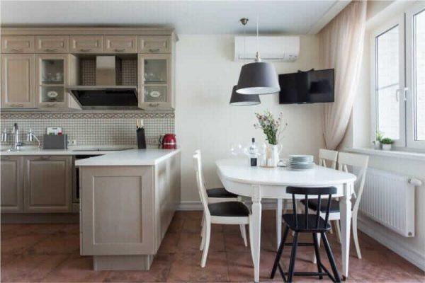 Овальный-кухонный-стол-на-6-персон