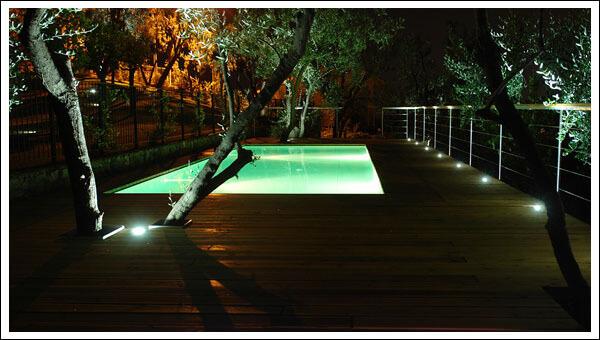Светодиодные светильники и бассейн