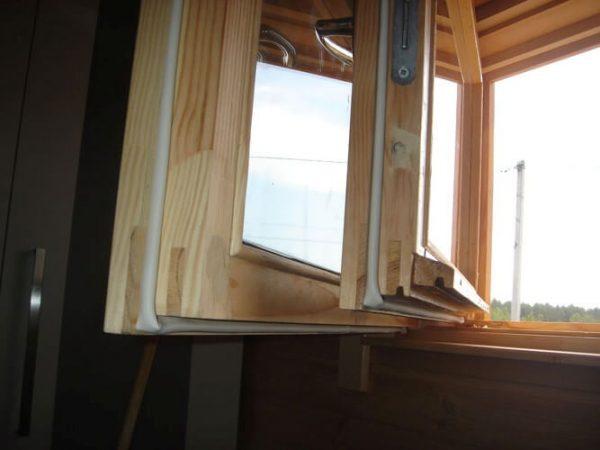 деревянное окно столярное